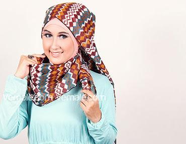 cara memakai jilbab pashmina untuk acara spesial selebriti indonesia