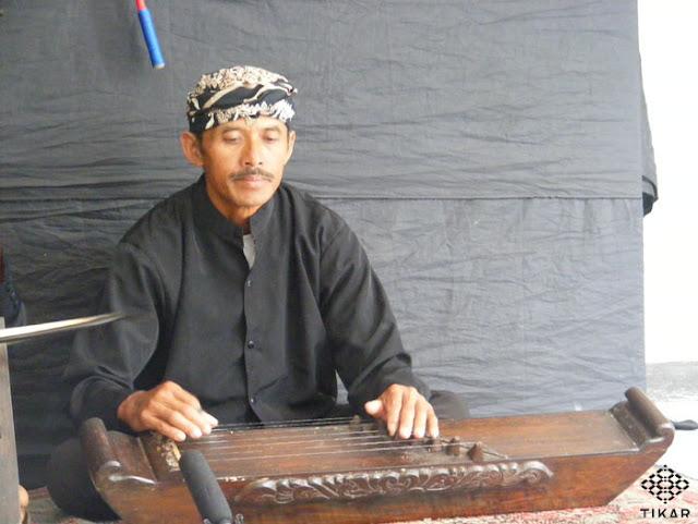 Alat Musik Tradisional  Jawa Barat - Jentreng