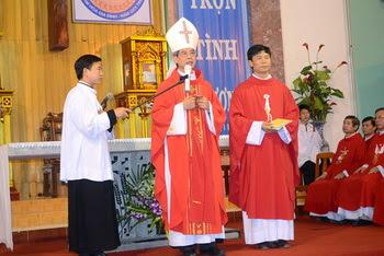 Giáo xứ Lãng Vân đón cha xứ mới
