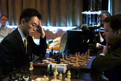 将棋の羽生善治2冠、イギリスのチェス名人「グランドマスター」と引き分け