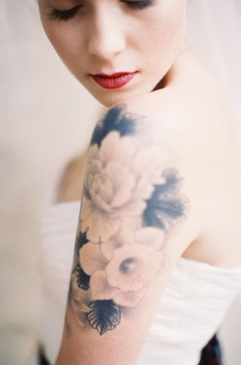 flower tattoo ideas for shoulder