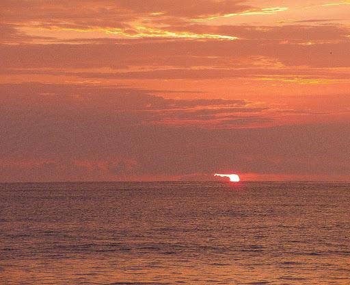 Amanecer en la playa de Higuerote