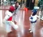 عندما يلعب الاطفال التايكوندو