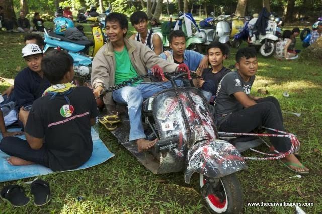 Indonesians Love the Oddest Motorbikes