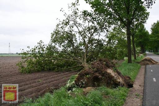 Noodweer zorgt voor ravage in Overloon 10-05-2012 (44).JPG