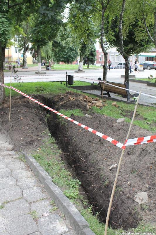 Земляні роботи на вул. Л.Українки