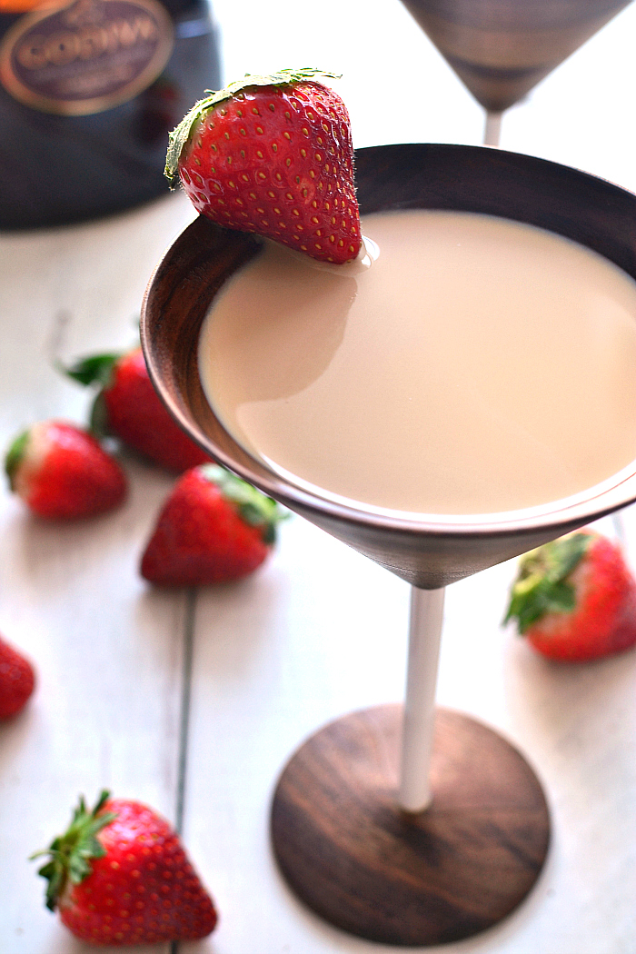 Chocolate-Covered-Strawberry-Martini-2c.jpg