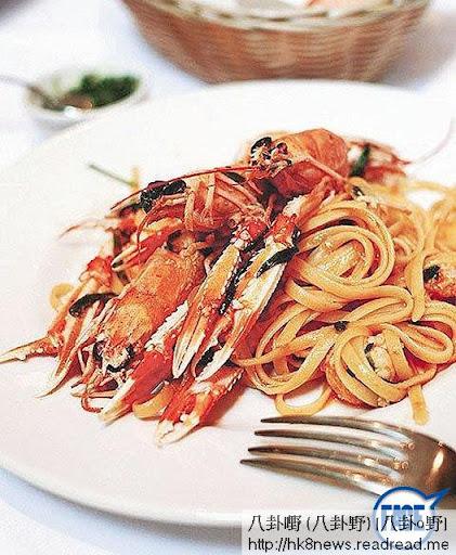 餐廳出名龍蝦湯及意大利蝦扁意粉等,一碟意粉盛惠$520。