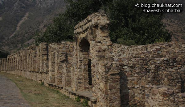Bhangarh - Bazaar of Ghosts