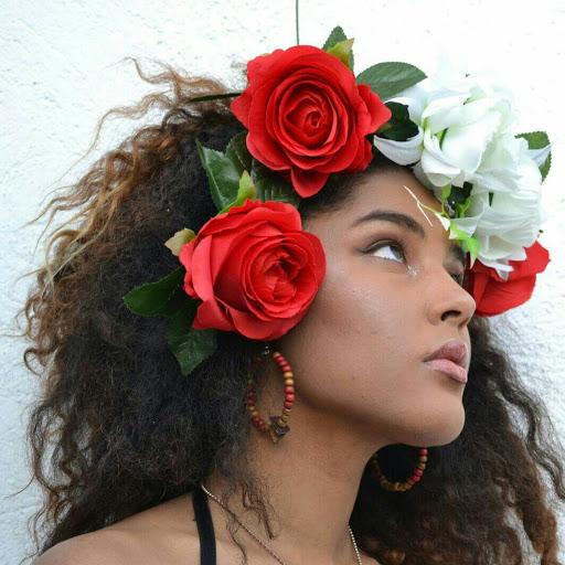 Julia Espinosa Photo 9