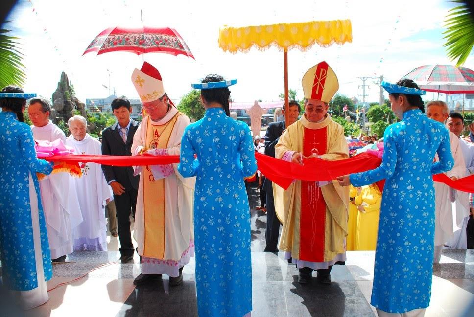 Lễ Khánh Thành Và Cung Hiến Nhà Thờ Giáo Xứ Tân Hội Giáo Phận Nha Trang