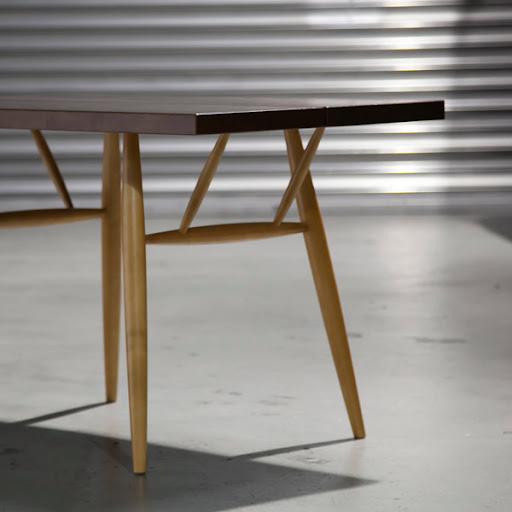 ピルッカテーブル(Pirkka Table):斜め