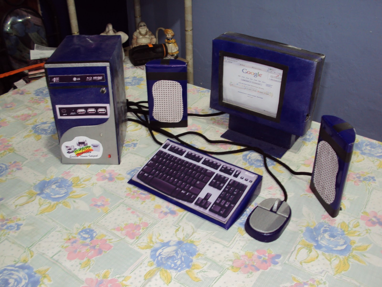 Maquetas escolares proyectos de ciencia electr nicos - Como hacer una mesa de ordenador ...