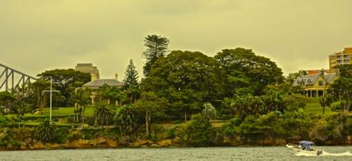 Governor-General's abode (R) and Prime Minister's Sydney abode (L). Celebrating Australia Day in Sydney Harbour