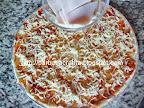 Pizza Capriciosa cu sunca presata preparare