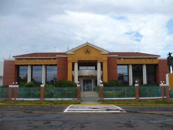 Edificio La Casa de los Pueblos