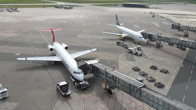 "Flughafen Hannover<br><a class=""photo_author gallery_photo_author"" href=""https://maps.google.com/maps/contrib/104714831023486816591/photos"" target=""_blank"">Foto: Thomas Schmidt</a>"