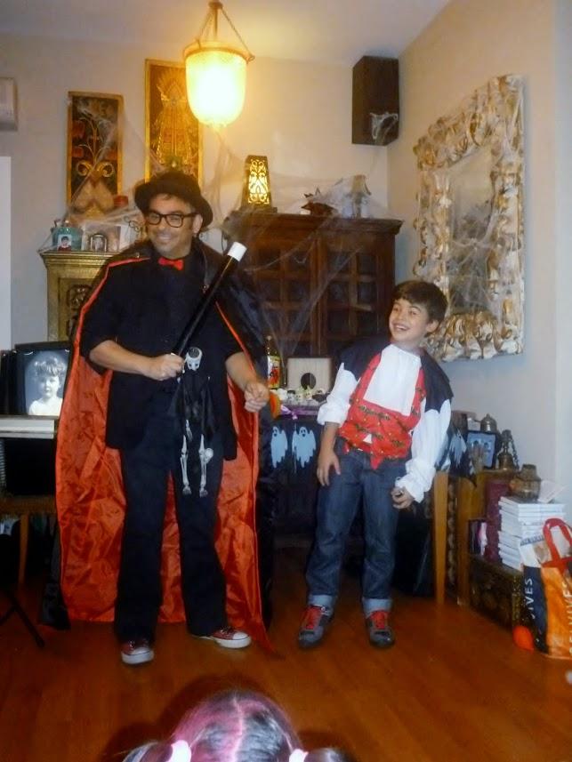 show-magia-alfonso-V-mago-madrid-halloween-niños