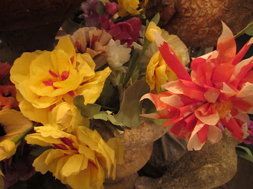 Gorgeous handmade tissue paper flowers by frequent Martha Stewart Show guest and MS Living contributor, Livia Cetti.