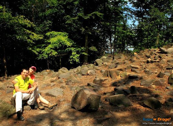 Łysica - gołoborza na szczycie