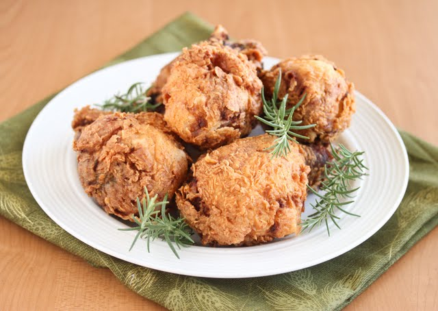 photo of a plate of fried chicken