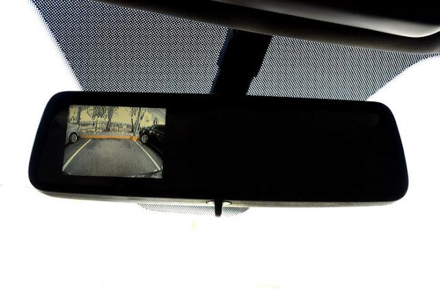 Nova Chevrolet Captiva 2011 - camera de estacionamento traseira