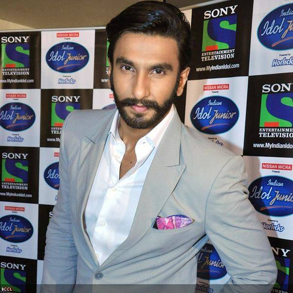 Ranveer-Singh-poses-camera-promotion-movie.jpg