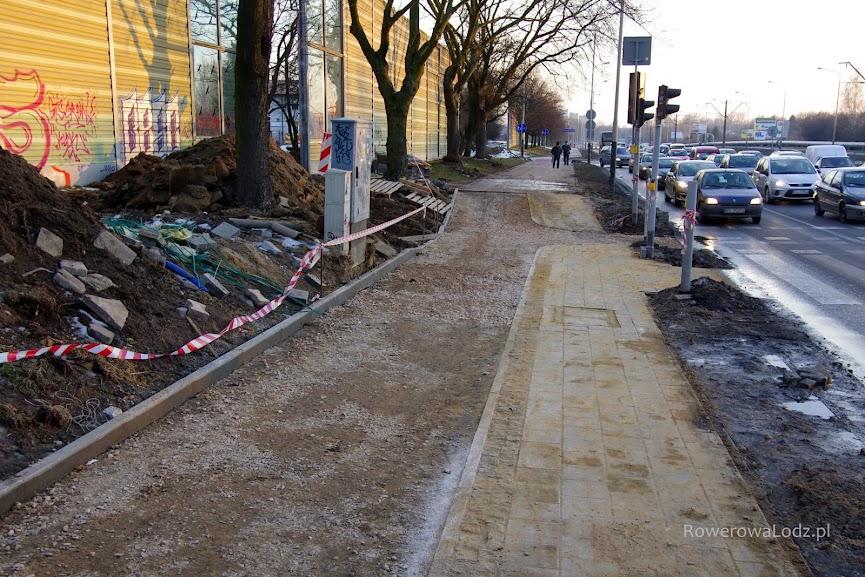 Jazda na wprost, umożliwi także łatwy skręt w kierunku przejazdu... Tylko jeśli na światłą będzie czekać więcej rowerzystów?
