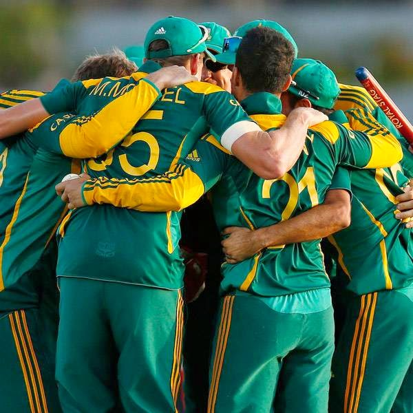 South Africa's cricket team members celebrate after winning the One Day International cricket series against Sri Lanka, at the final match in Hambantota July 12, 2014.