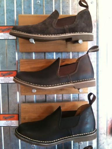 New Deal Alert! Blundstone 585 Boot - 7 UK - Rustic Brown