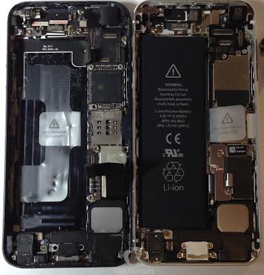 iPhone5Sプロトタイプ(写真左)とiPhone5の内部写真