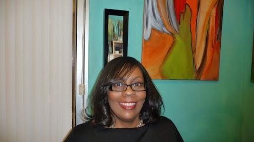 Lori Laws Photo 9