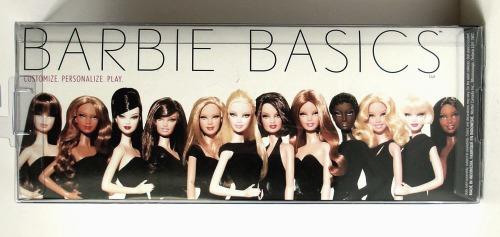 Barbie Basics LBD #10: las 12 Barbie Basics LBD (parte posterior de la caja)