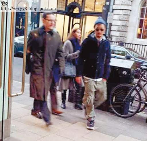 上週二餘文樂同 Kary在 Central London行街 shopping,因沿途不斷撞見華人,唯有全程前後腳行街拍拖。