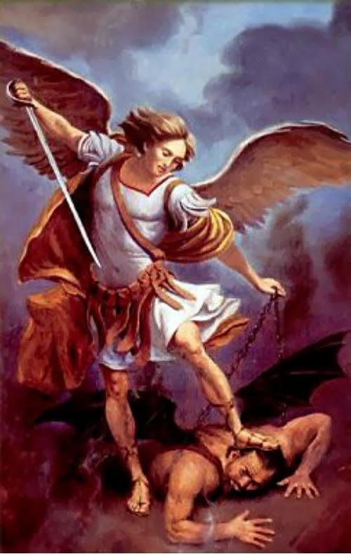 Święty Michale Archaniele,  broń nas w walce. Przeciw niegodziwości  i zasadzkom złego ducha bądź nam obroną.  Niech go Bóg poskromi, pokornie błagamy,  a Ty, Książę Zastępów niebieskich mocą  Bożą strąć do piekła szatana  i inne duchy złe, które na zgubę  dusz krążą po świecie.   Amen.