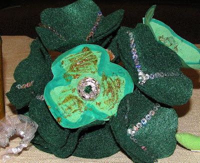 Create paper/felt shamrocks