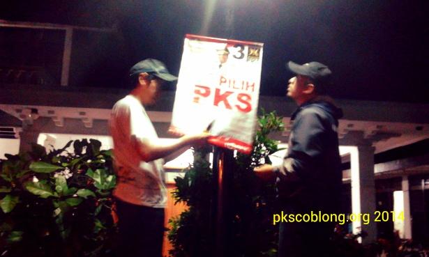 Pasang banner Pilih PKS