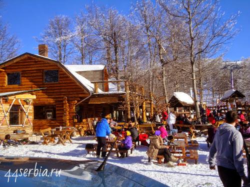 Площадка, которой спускаются лыжники