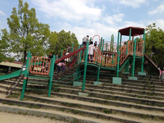 せせらぎ公園の大型遊具