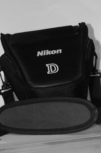 Tas kamera adalah bagian terpenting dalam asesoris kamera yang selain melindungi kamera