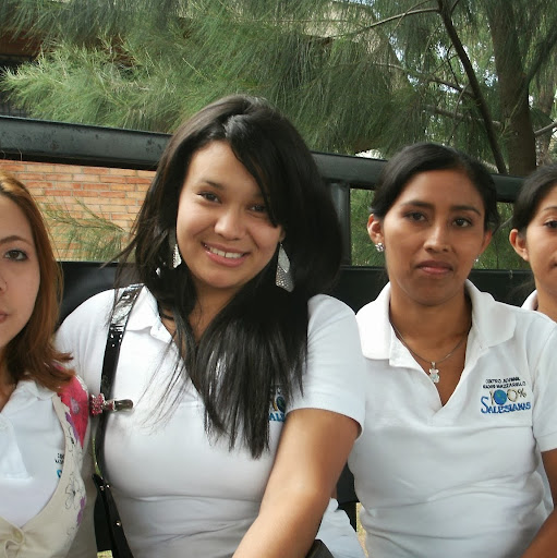 Denia Lopez Photo 4