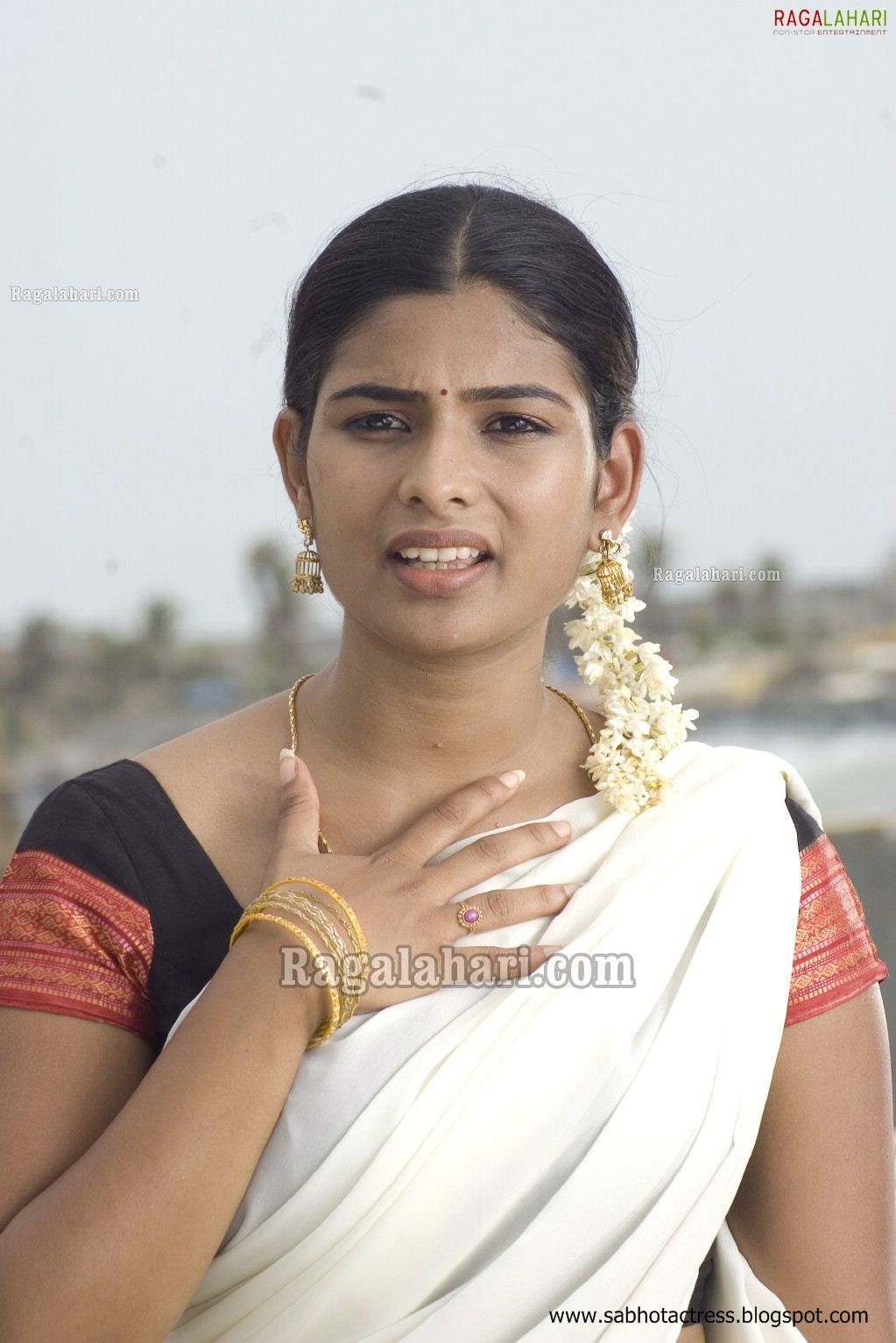 Unseen Tamil Actress Images Pics Hot Isaiaruvi Maheshwari -9135