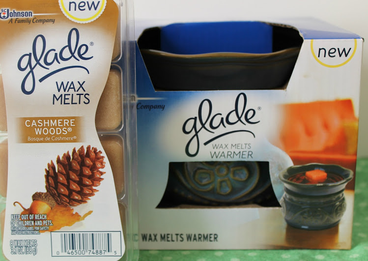 Holiday Decorating: Guest Bathroom Ideas with New Glade Wax Melts and Wax Melts Warmer