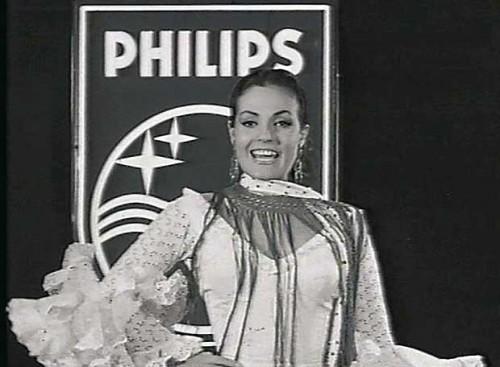 Carmen Sevilla anunciando en la tele los electrodomésticos Philips