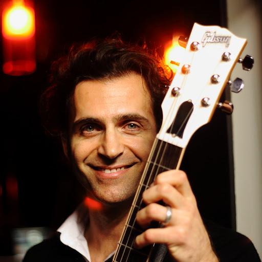 Dweezil Zappa Photo 3