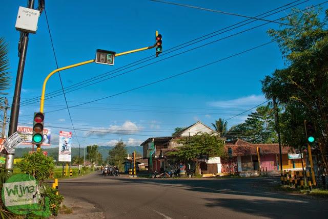 lewat perempatan kenteng menuju Grojogan Sewu, Kulon Progo, Yogyakarta