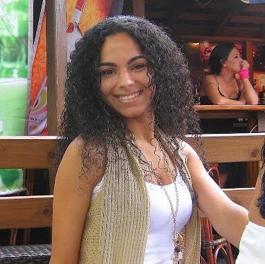 Emely Leon Photo 4