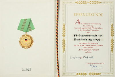 143a Medaille für treue Dienste in der Deutschen Volkspolizei Stufe III www.ddrmedailles.nl