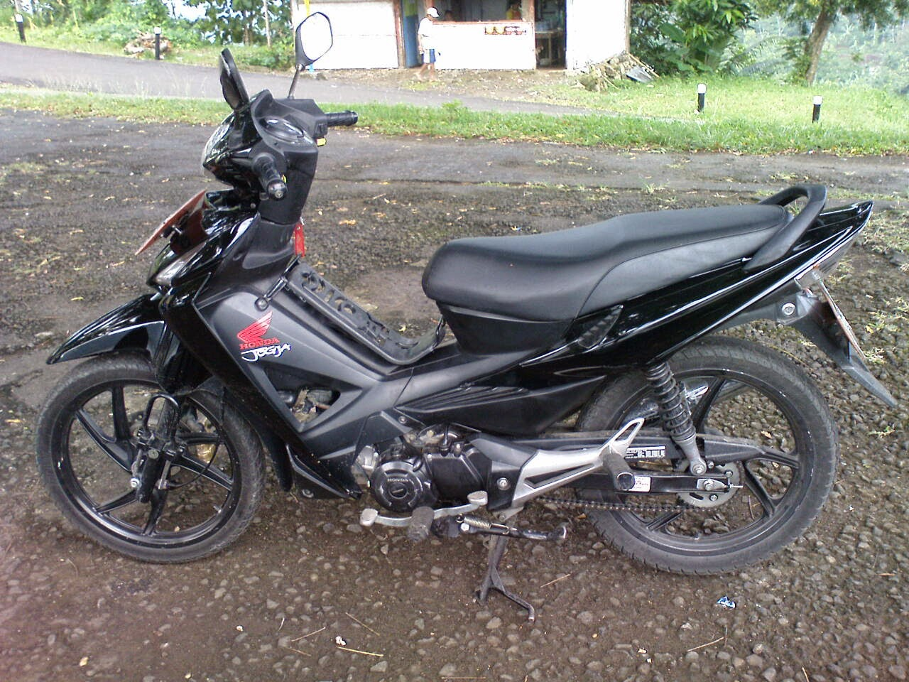 Modifikasi Warna Revo 100cc