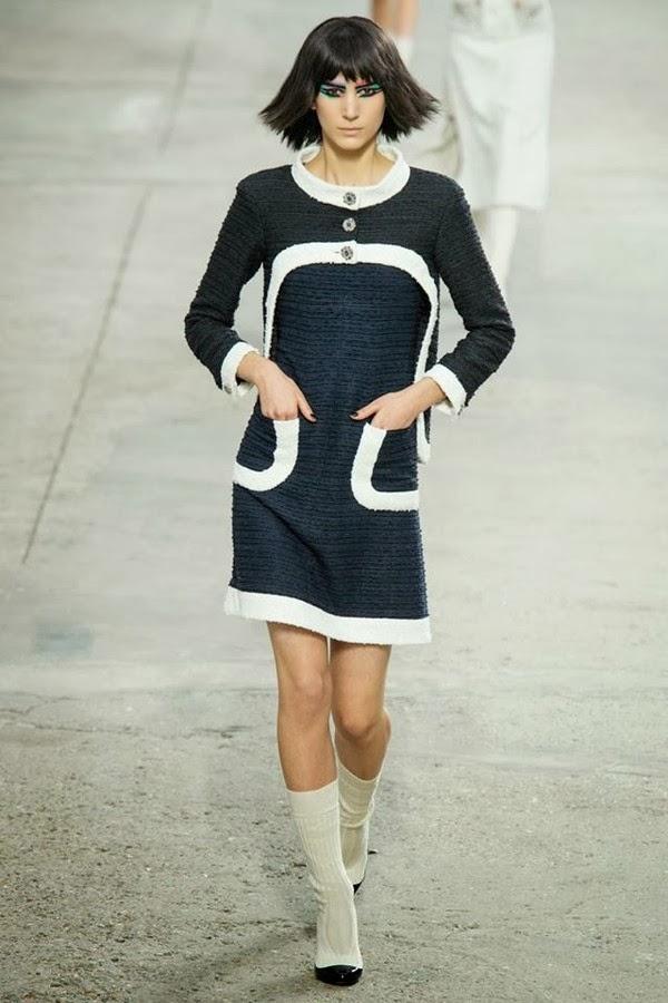 有若六十年代的連衣裙。